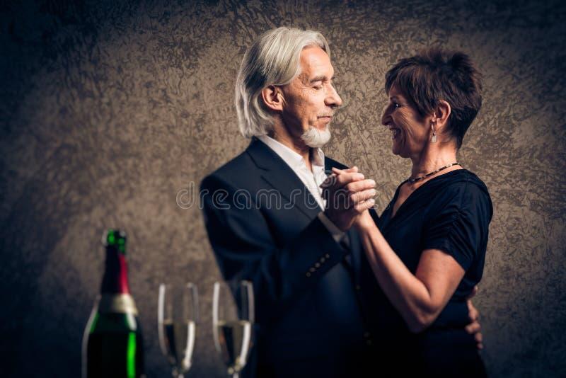 Het hogere Echtpaar Dansen royalty-vrije stock foto