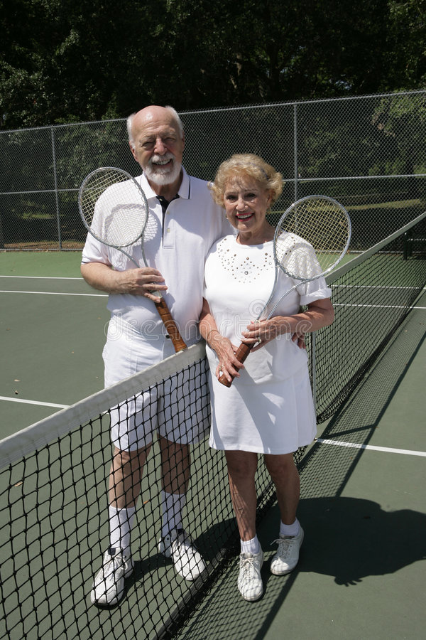 Het hogere Hoogtepunt van het Paar van het Tennis - mening royalty-vrije stock foto's