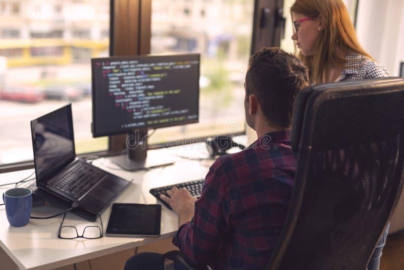 Het hogere ontwikkelaars werken royalty-vrije stock afbeelding