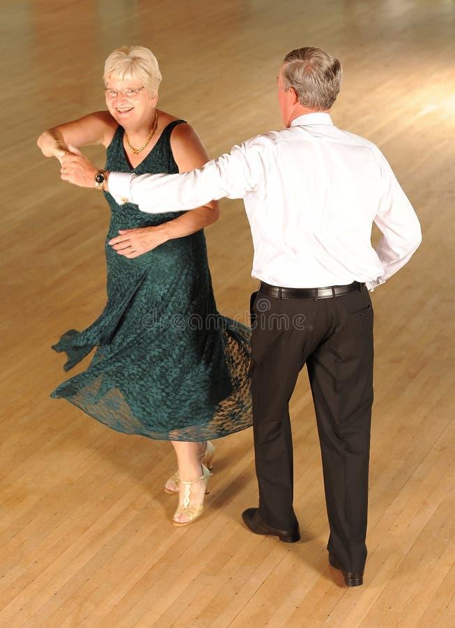 Het hogere paar dansen royalty-vrije stock foto's