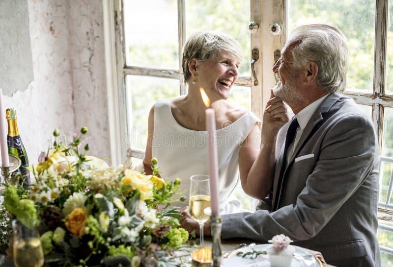 Het hogere Paar Vrolijk Glimlachen royalty-vrije stock afbeeldingen