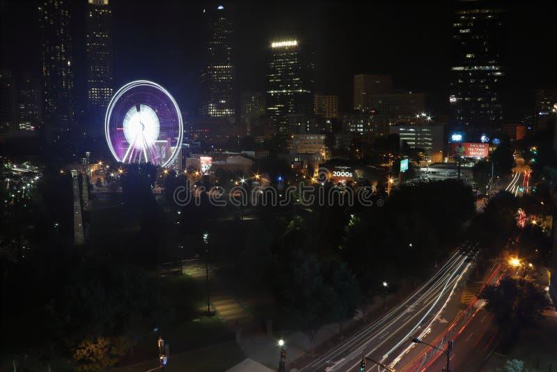 Het honderdjarige Olympische Park van Atlanta ` s bij nacht stock afbeeldingen