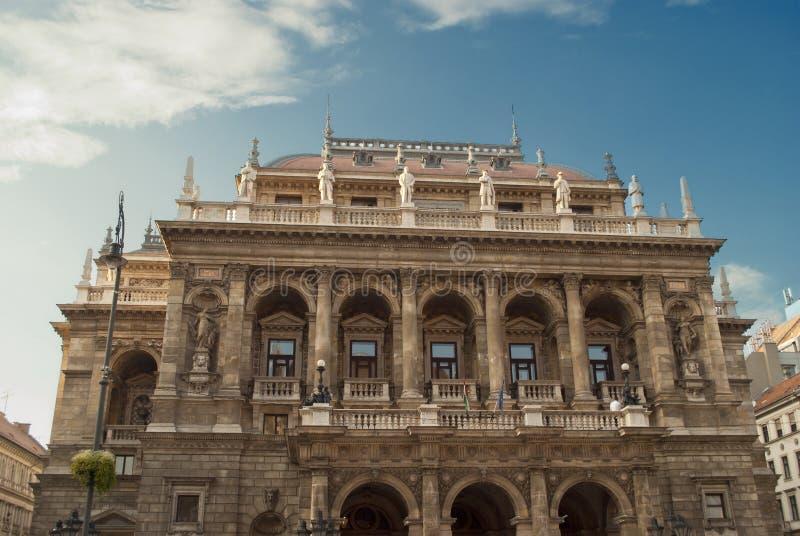 Het Hongaarse Huis van de Opera van de Staat in Boedapest royalty-vrije stock foto's