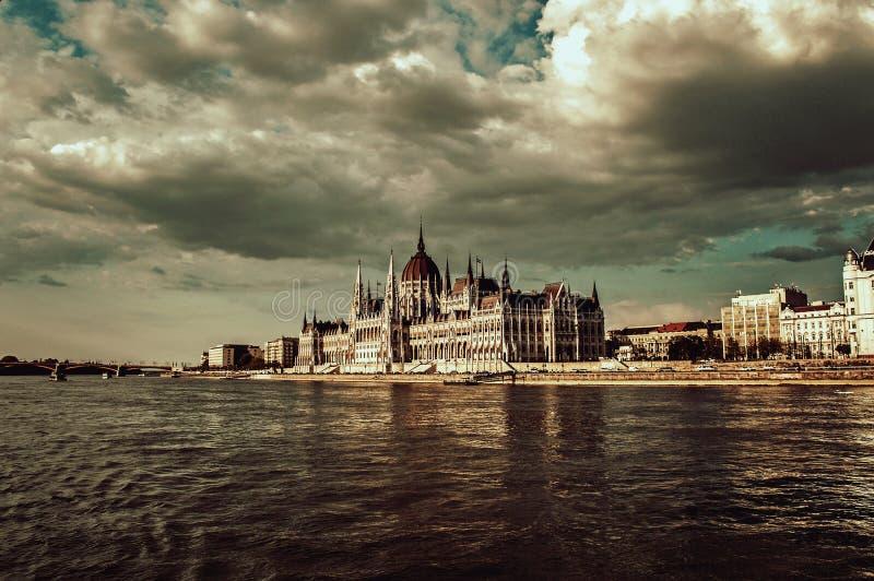 Het Hongaarse parlement stock foto's