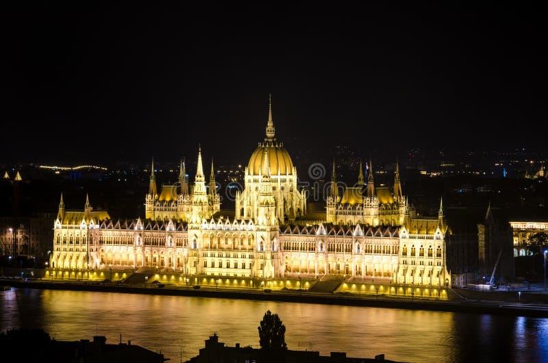 Het Hongaarse Parlement dat Boedapest bouwt stock fotografie