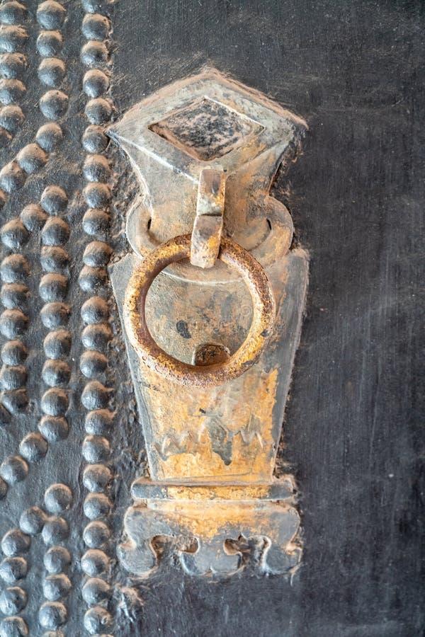 Het hoofd van de deur op de poort van de samenstelling van de qiaofamilie in Shanxi-Provincie, stock foto's