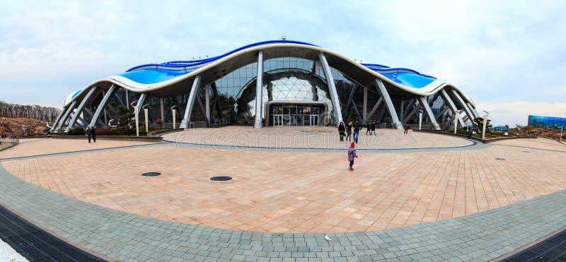Het hoofdgebouw in het Primorsky-Aquarium of Oceanarium van de Academie Van het Verre Oosten van Wetenschappen in de Russische st stock foto's
