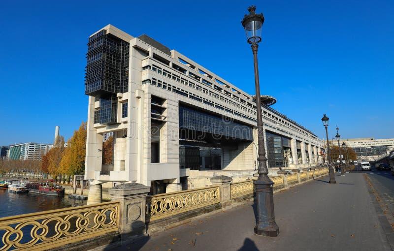 Het hoofdkwartier van het Franse Ministerie van Financiën en Economie wordt gevestigd in de Bercy-buurt in de twaalfde royalty-vrije stock foto