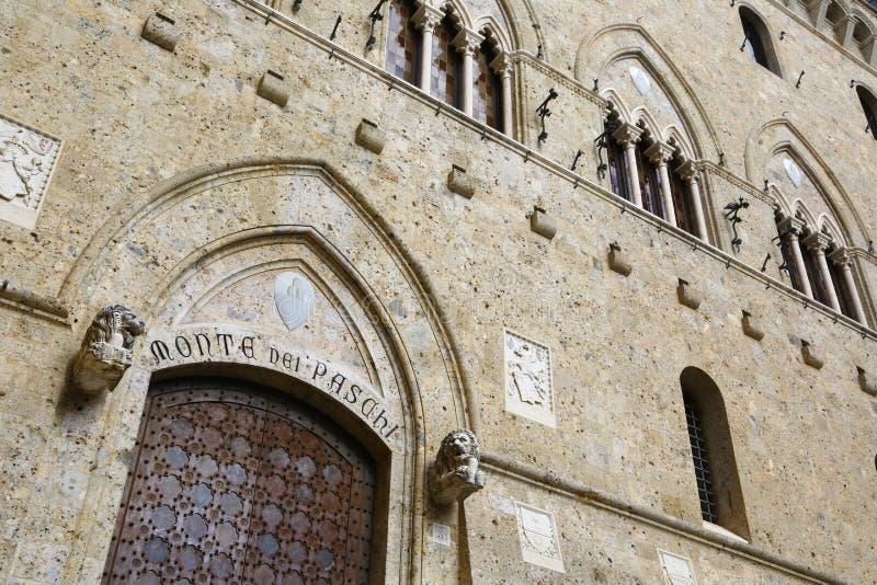 Het hoofdkwartier van Paschi van Montedei in Siena, Italië stock fotografie
