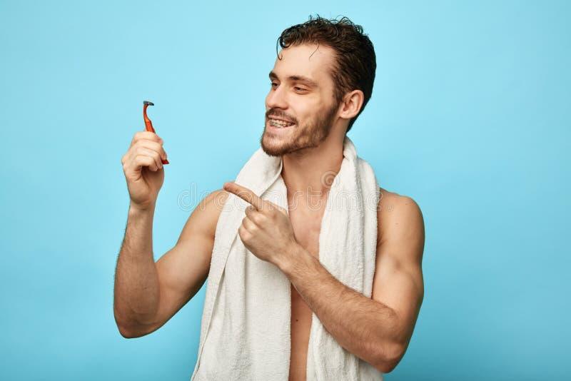 Het is hoog tijd om uw baard te scheren royalty-vrije stock fotografie