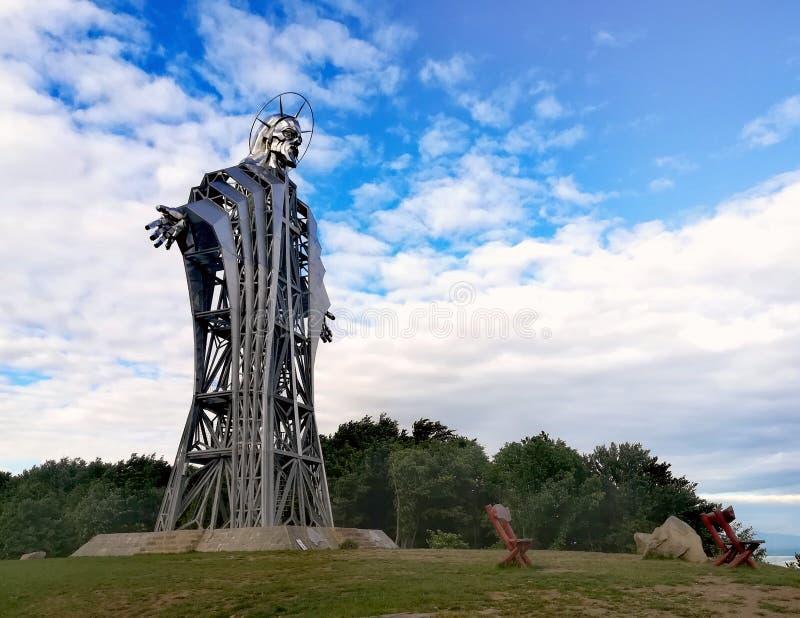 Het hoogste beeldhouwwerk in Lupeni, Harghita, Roemenië stock foto's