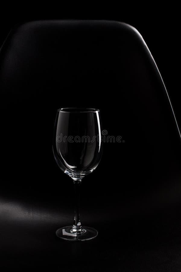 Het Hoogtepunt van leeg geïsoleerde wijnglas royalty-vrije stock foto's