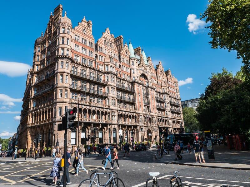 Het Hotel Russell, Russell Square, Londen, op een zonnige Augustus-dag royalty-vrije stock foto's