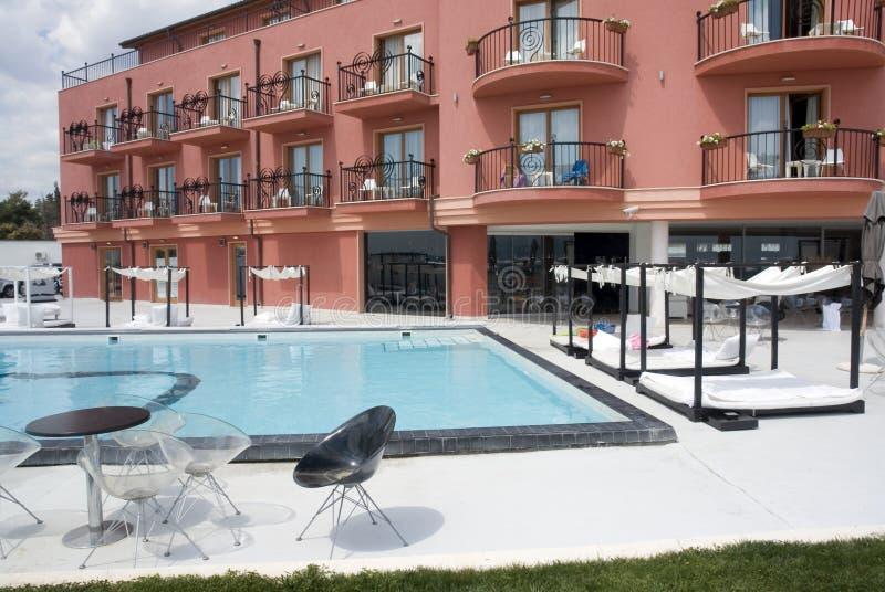 Het Hotel van Poolside royalty-vrije stock fotografie