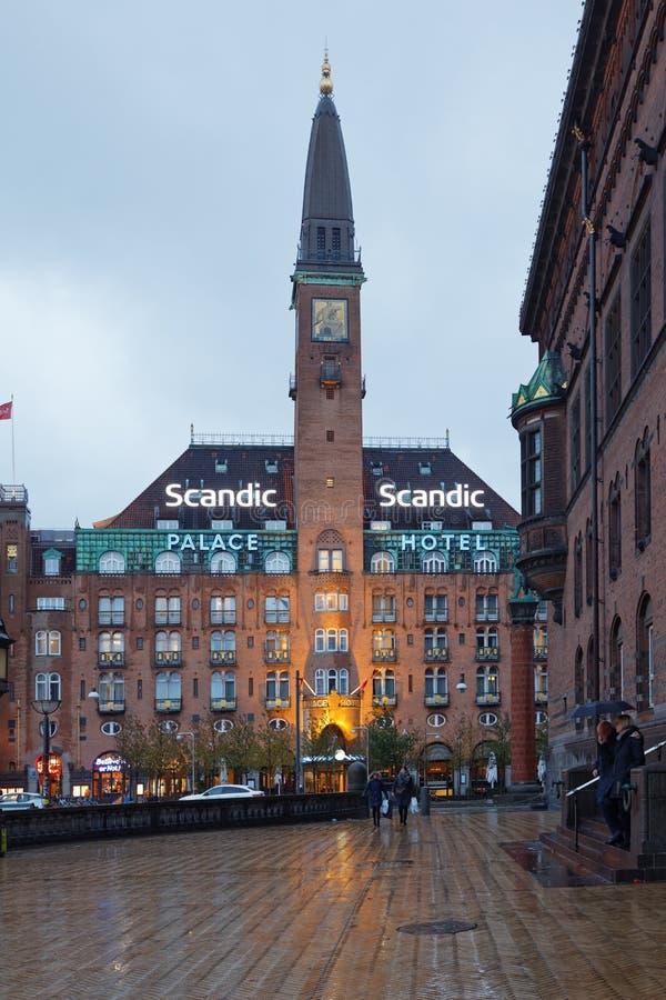 Het Hotel van het Scandicpaleis in Kopenhagen, Denemarken stock afbeeldingen