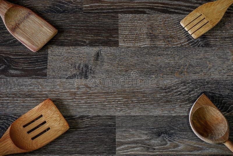 Het houten tin van de voedselopslag dat in het verleden is gebruikt en geweest stock fotografie