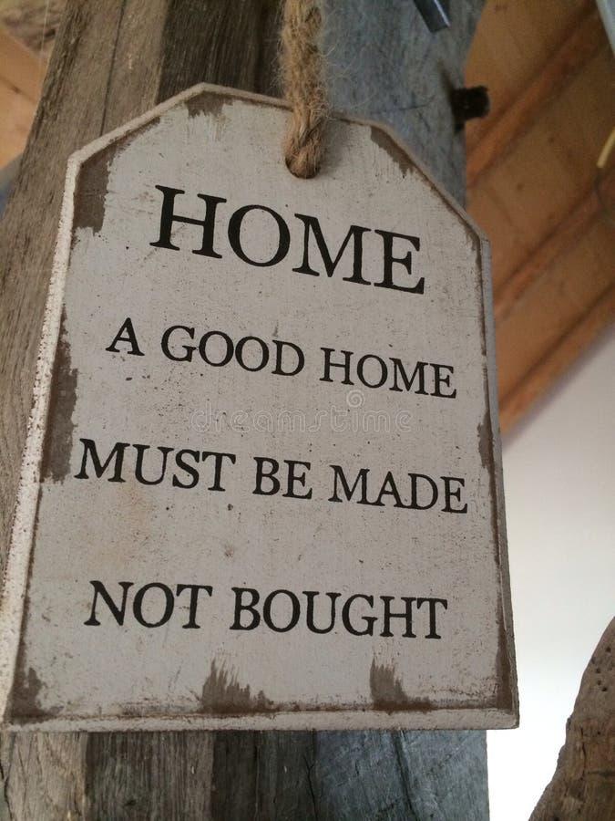 Het huis een goed huis moet gekocht niet worden gemaakt stock foto