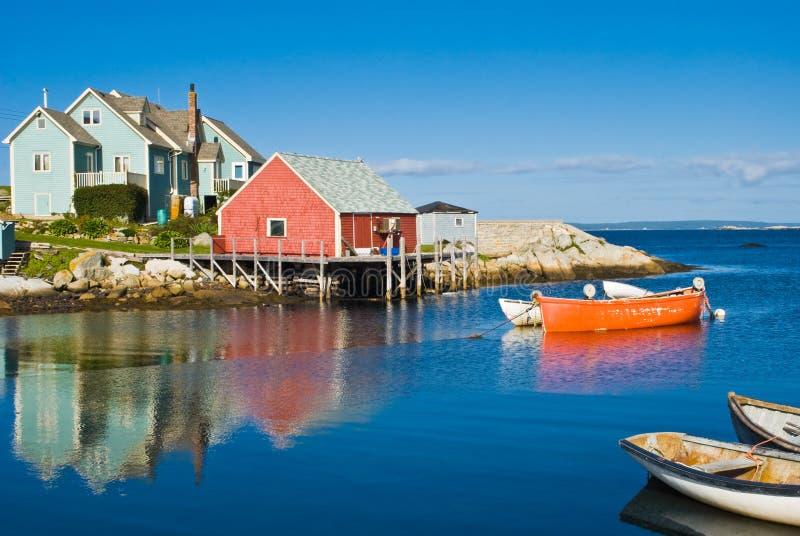 Het huis en de boten van de visser. royalty-vrije stock afbeeldingen