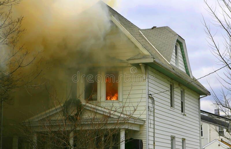 Het huis van de brand royalty-vrije stock foto's