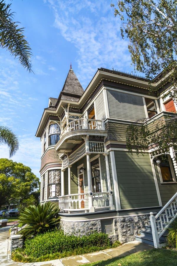 Het huis van de koninginanne stijl stock afbeelding