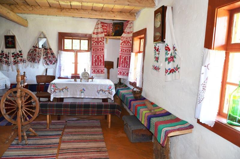 Het huis van de oude Oekraïense boer stock afbeeldingen