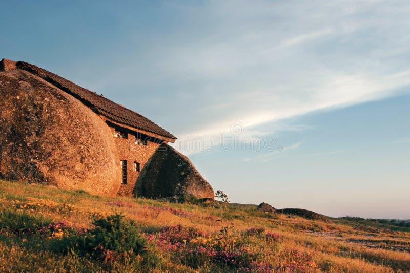 Het Huis van de rots stock afbeeldingen