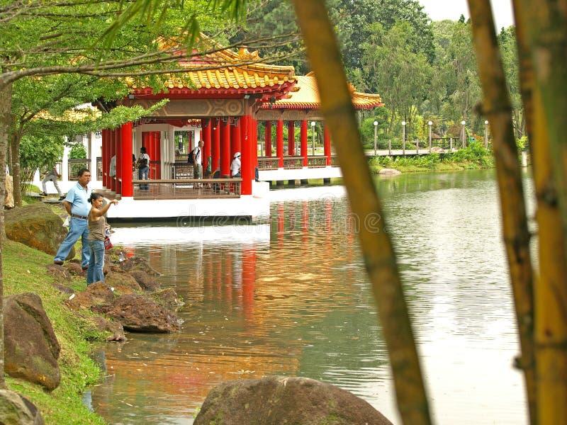 Het Huis van de thee in Chinese Tuinen, Singapore stock foto's