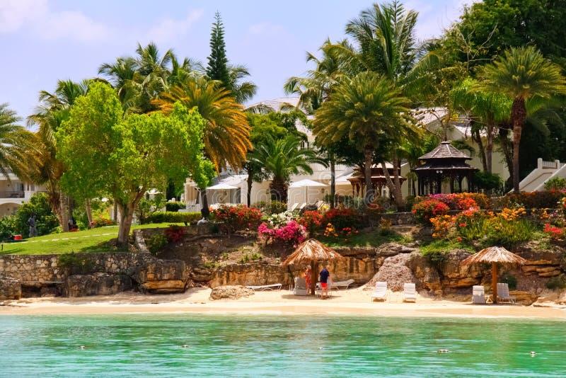Het Huis van de Waterkant van het strand op Antigua royalty-vrije stock fotografie