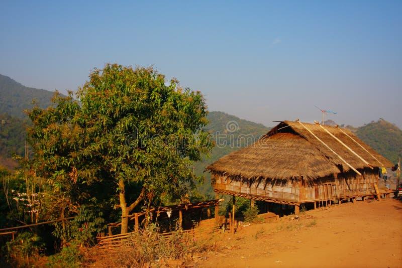 Het huis van het bamboe stock foto