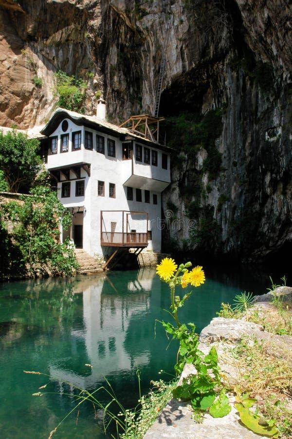 Het huis van het derwisj in Blagaj Buna, Bosnia - Herzegovina royalty-vrije stock foto