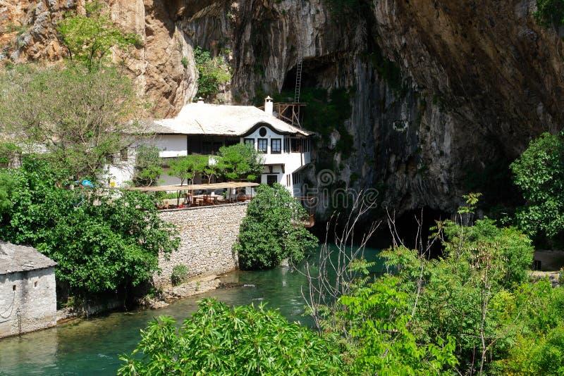 Het huis van het derwisj in Blagaj Buna, Bosnia - Herzegovina royalty-vrije stock afbeelding