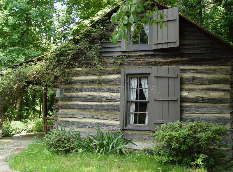Het Huis van het logboek stock afbeelding