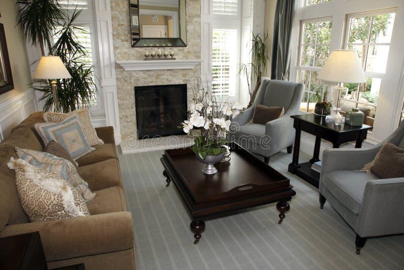 Het huiswoonkamer van de luxe. royalty-vrije stock afbeeldingen