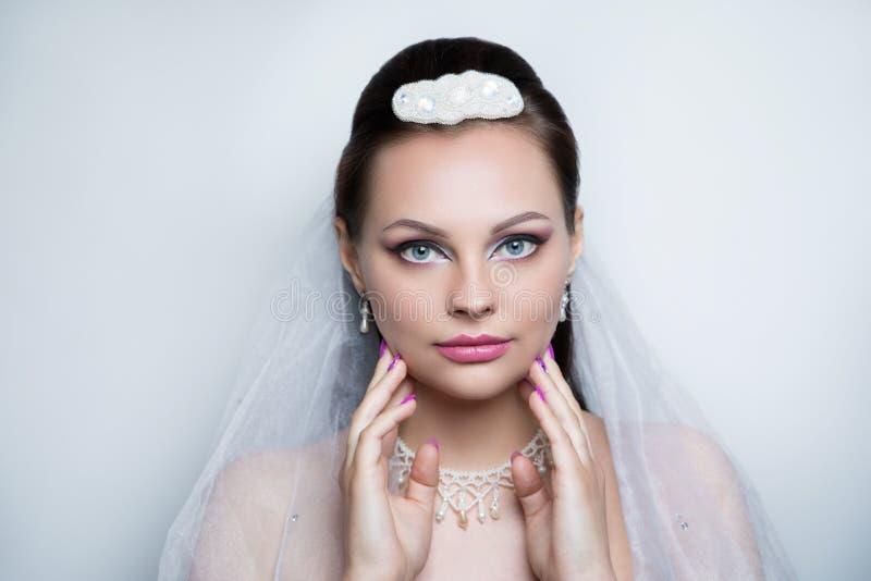 Het huwelijksfoto van de vrouwenschoonheid royalty-vrije stock foto