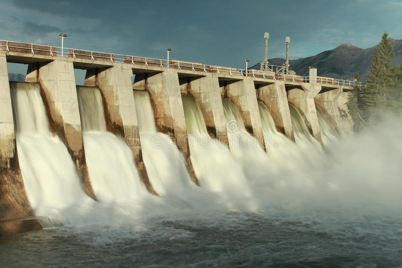 Het hydro Afvoerkanaal van de Dam stock fotografie