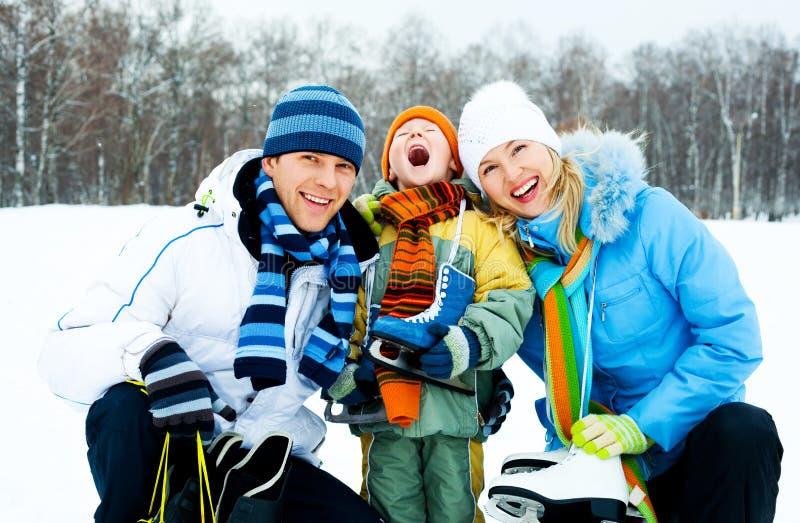 Het ijs van de familie het schaatsen royalty-vrije stock fotografie