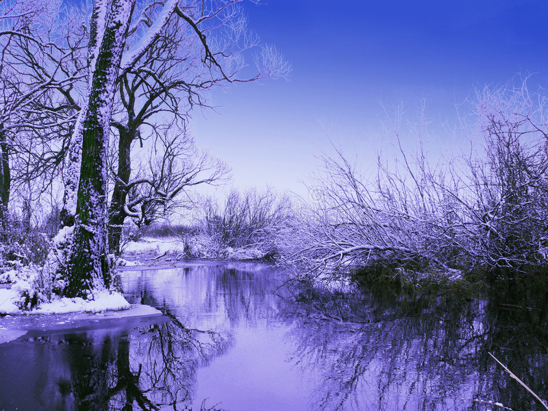Het ijzige de wintervallen van de avond royalty-vrije stock afbeelding