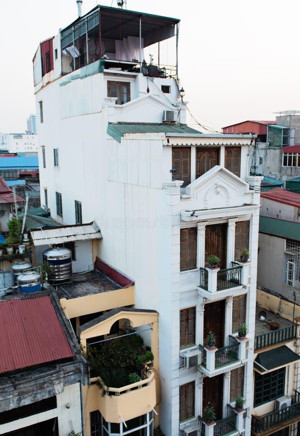 Het inbouwen van het centrum van de metropool van Hanoi, Vietnam royalty-vrije stock foto's