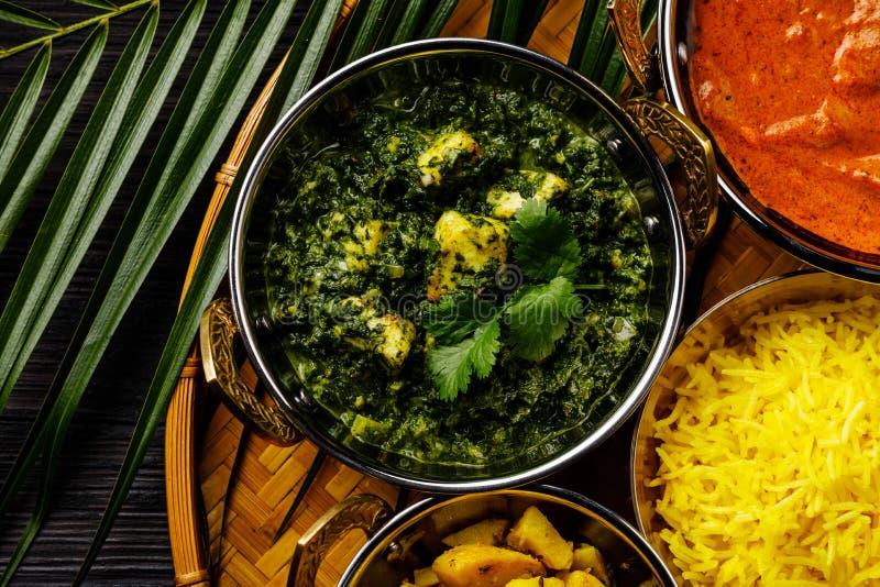 Het Indische voedsel van Palakpaneer met kaas en spinazie royalty-vrije stock fotografie