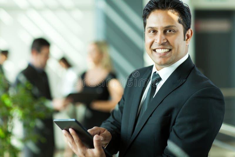 Het Indische zakenman werken stock afbeelding