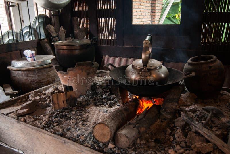 het inheemse keuken koken stock foto's