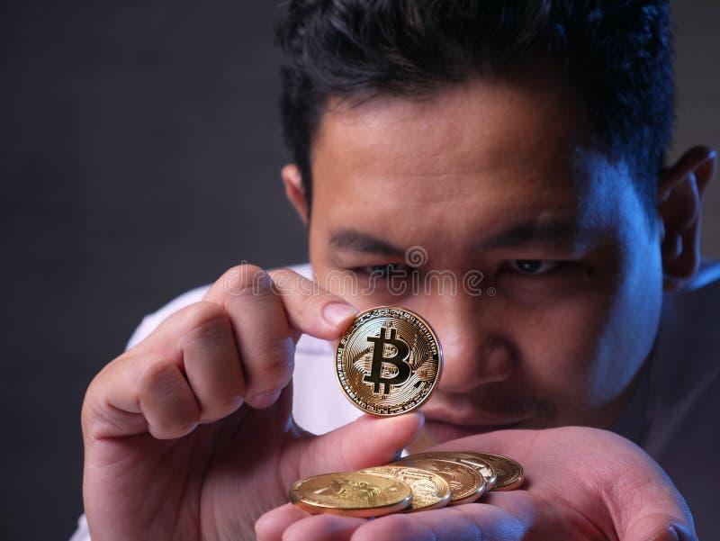 Het investeren in het Concept van Bitcoin Cyptocurrency stock fotografie