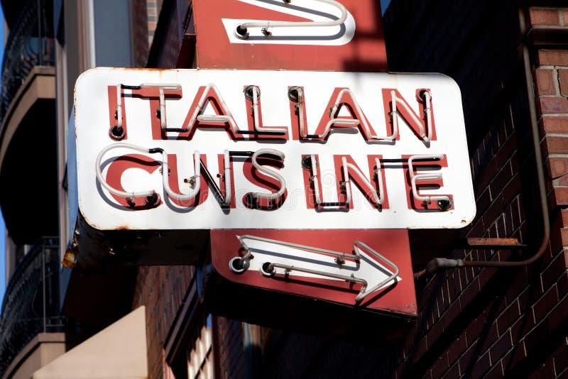 Het Italiaanse Teken van het Neon van de Keuken royalty-vrije stock foto