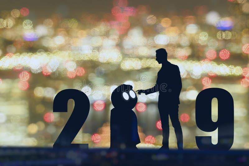 het jaarkunstmatige intelligentie van 2019 of ai futuristisch concept, Silhouet Bedrijfsmensentribune en punthand om te bevelen o stock afbeeldingen