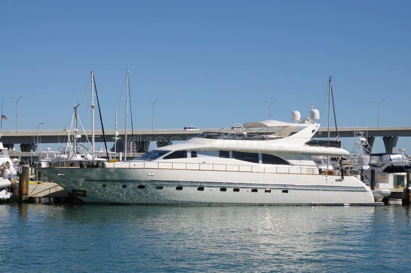 Het Jacht van de luxe in Miami royalty-vrije stock fotografie