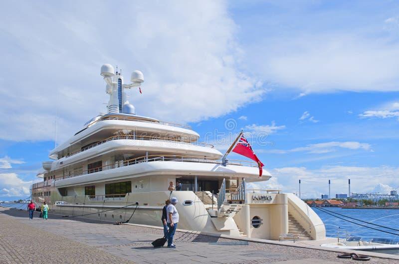 Het jacht van de luxemotor royalty-vrije stock foto's