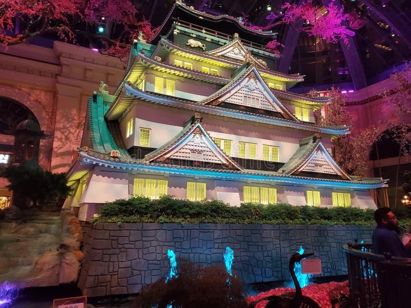 Het Japanse vegasbellagio van Japan van het tempelheiligdom hotel het gloeien fonkelen royalty-vrije stock foto's