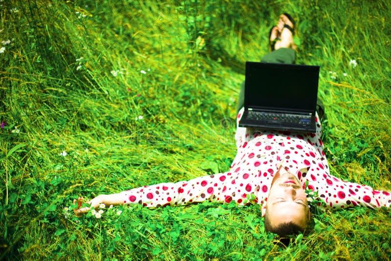 Het jonge creatieve mens rusten royalty-vrije stock fotografie