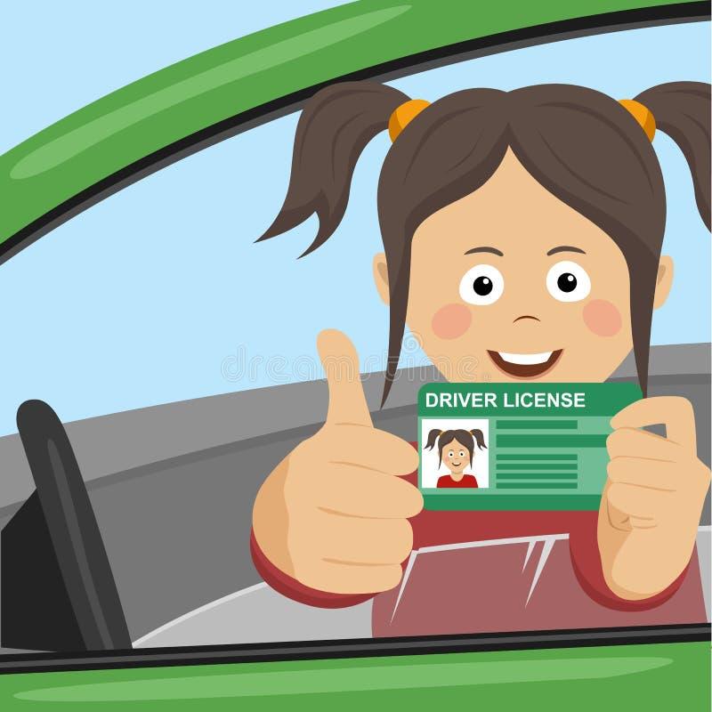 Het jonge gelukkige meisje die haar nieuwe zitting van de bestuurdersvergunning in de auto tonen en beduimelt omhoog geven royalty-vrije stock foto