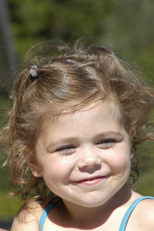 Het jonge meisje glimlachen royalty-vrije stock foto's